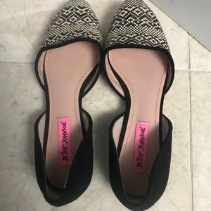 Shoes - MAKE OFFERS! Betsy Johnson dress shoes
